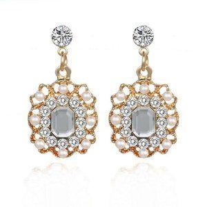 3/$20 Vintage Style Rhinestone Gold Dangle Earring